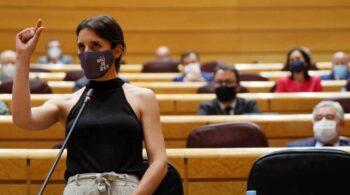 """Una senadora del PP pide a Irene Montero que se corte """"el moño"""" y siga el camino de Pablo Iglesias"""