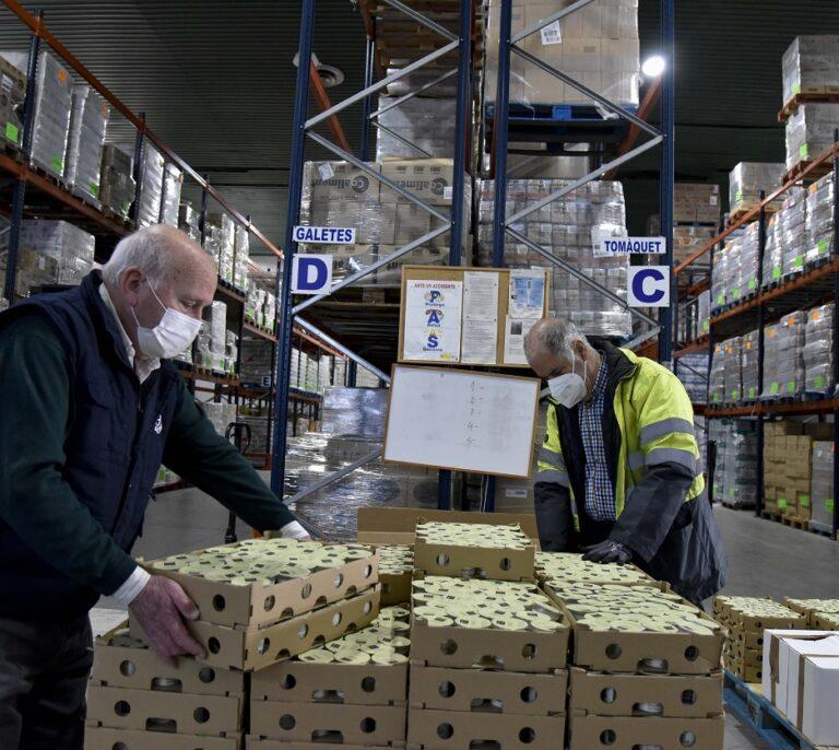 """La Fundación """"la Caixa"""" duplica con un millón de euros los donativos a la acción 'Ningún hogar sin alimentos' para las personas más afectadas por la pandemia"""
