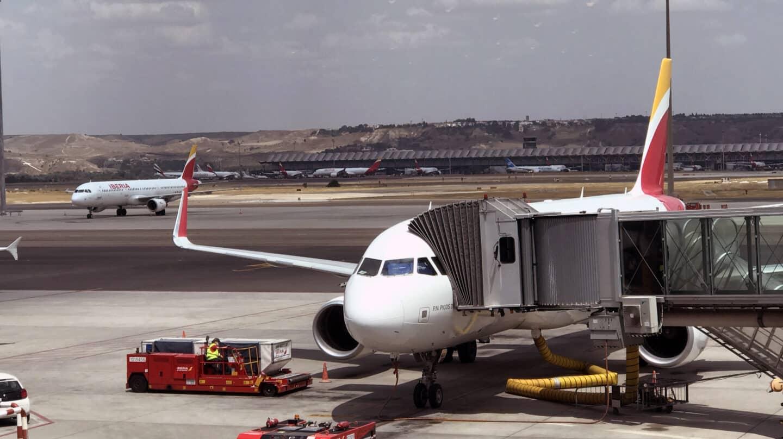 Imagen de un avión de Iberia en las pistas de Barajas.