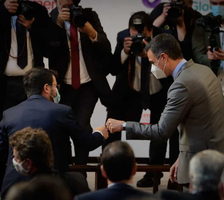 Aragonès planta a Sánchez y Draghi para visitar a Puigdemont en Waterloo