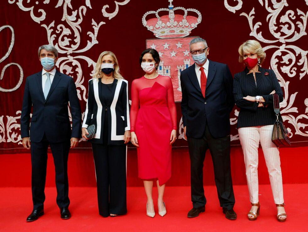 Foto de Ayuso con los ex presidentes: Garrido, Cifuentes, Gallardón y Esperanza Aguirre.