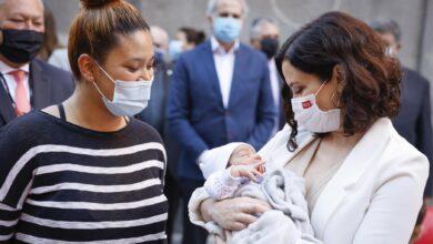El 'cheque bebé' de Ayuso beneficiará al 20% de las madrileñas que no son madres por motivos económicos