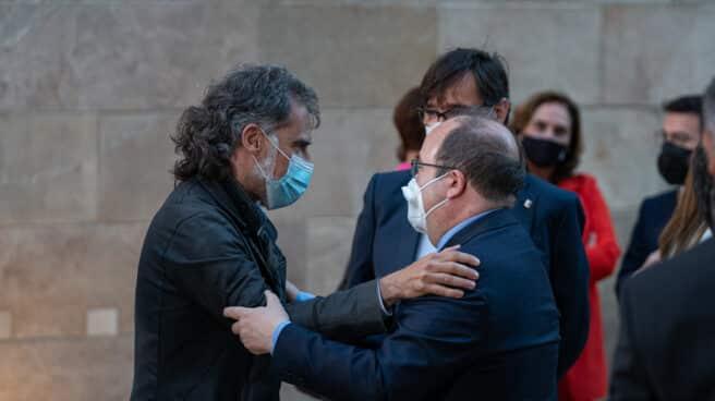 Jordi Cuixart, junto a Miquel Iceta y Salvador Illa en la investidura de Pere Aragonès.
