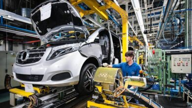 Mercedes Vitoria, la mayor fábrica de Euskadi, para una semana por falta de suministro