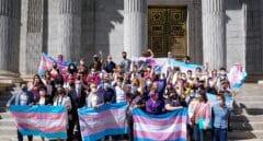 Medio centenar de organizaciones feministas convocan este sábado movilizaciones contra la Ley Trans