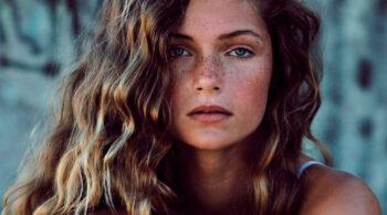 Manchas en la cara: 15 trucos para evitarlas