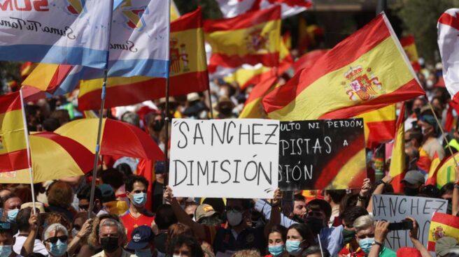 Manifestación en Colón contra los indultos a los presos del procés.