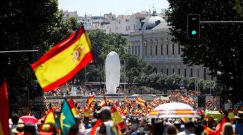 El Ayuntamiento cifra en 126.000 personas la masiva manifestación de Colón contra los indultos