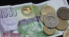 Último día para cambiar pesetas por euros: horas de cola y sin cita previa