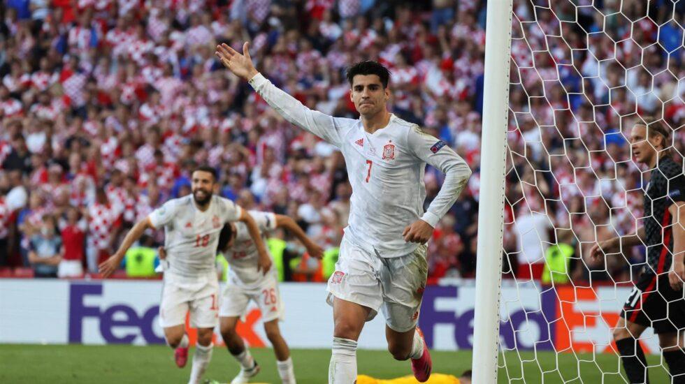 Álvaro Morata celebra su gol contra Croacia en los octavos de final de la Eurocopa.