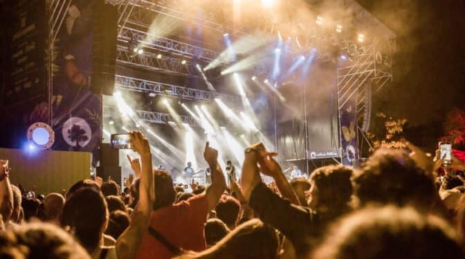 Los festivales musicales que han sobrevivido y de los que podrás disfrutar este verano