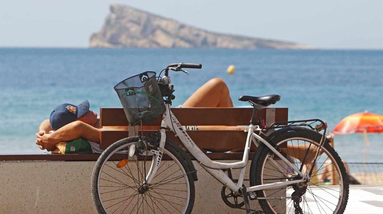 Batacazo al turismo: Reino Unido no incluye a España en los países de su 'lista verde'