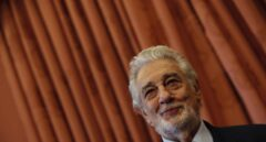 Plácido Domingo recibe en el Teatro Real la distinción como embajador honorario del Patrimonio Mundial de España.