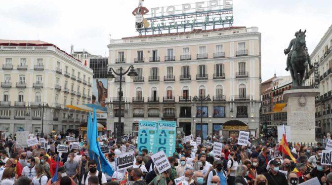 Guardias civiles de toda España se manifiestan en la Puerta del Sol por sus derechos