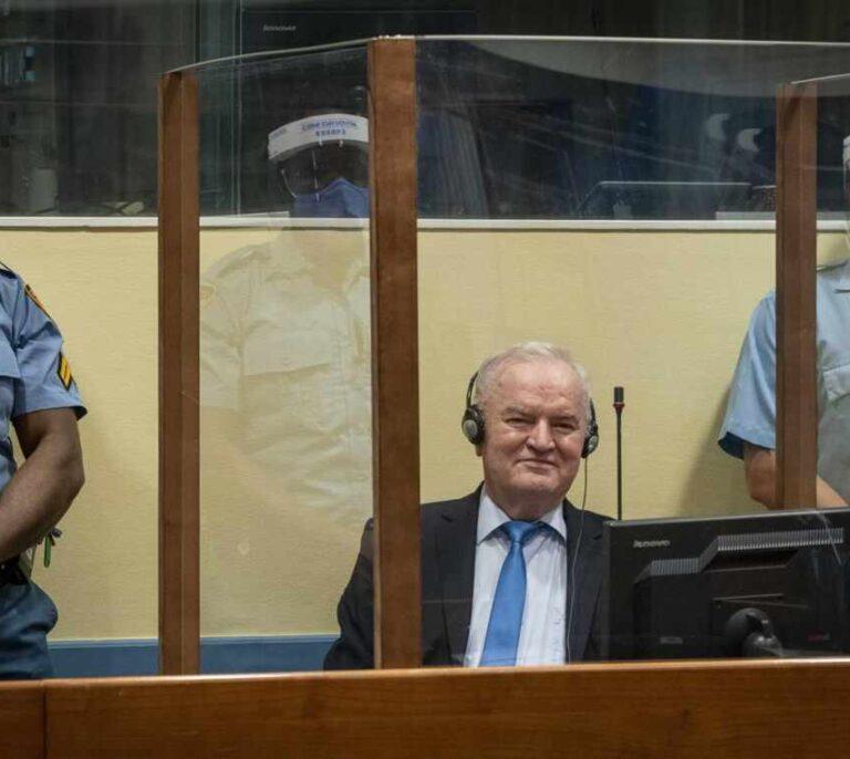 Ratko Mladic, condenado a morir en prisión por el asedio de Sarajevo y la masacre de Srebrenica