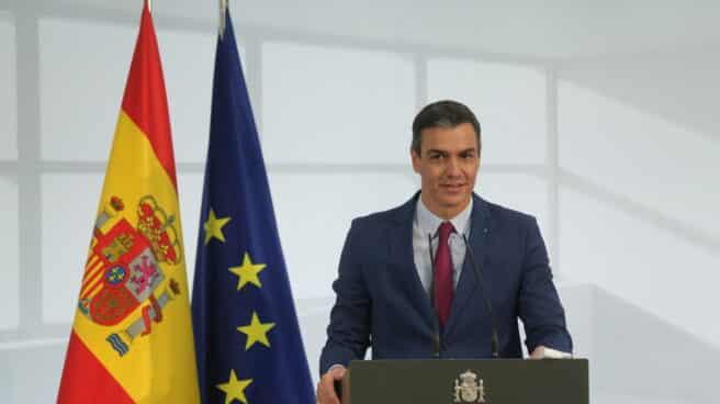El presidente del Gobierno, Pedro Sánchez, drante un acto de homenaje a la comunidad educativa, en La Moncloa