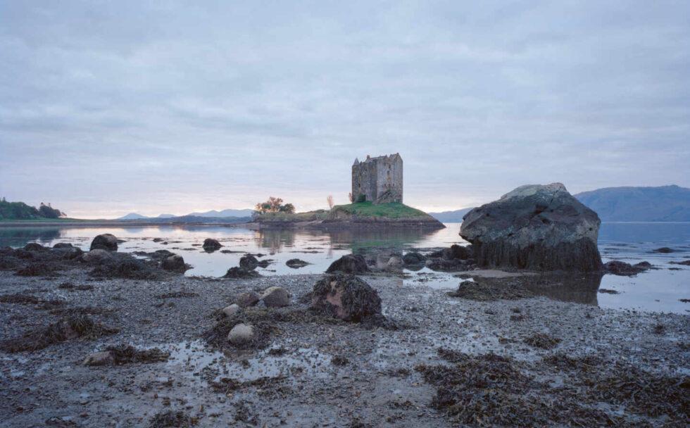 vistas de Stalker castle, Escocia.