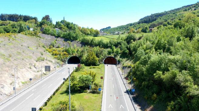 El túnel de Cereixal, situado en la carretera A6 a la altura de la provincia de Lugo, se ha convertido en el primer túnel de España con la capacidad de conectarse con los vehículos
