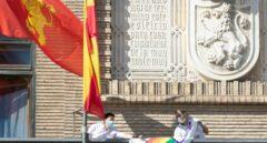 Un juzgado ordena al Ayuntamiento de Zaragoza retirar la pancarta LGTBI de la Casa Consistorial