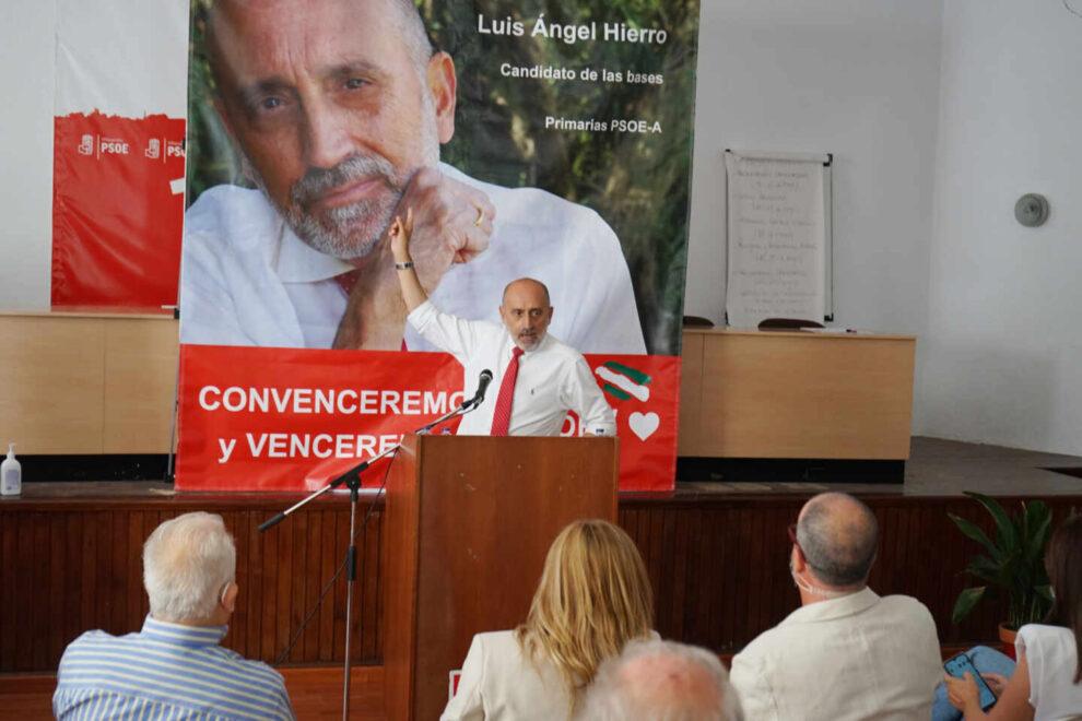 Hierro en un acto de su campaña en Villacarrillo (Jaén)