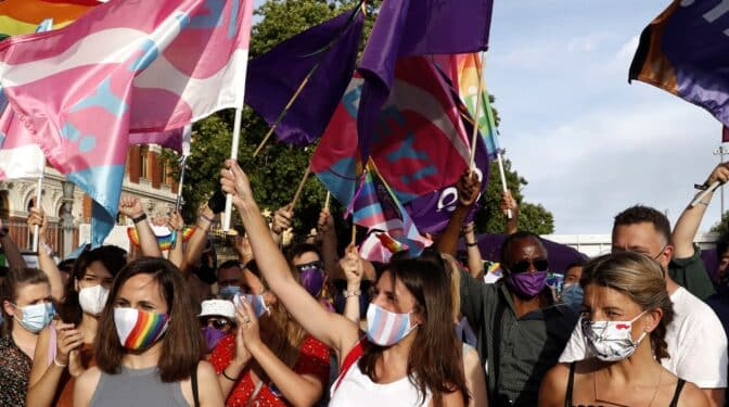 """Irene Montero, en la manifestación del Orgullo LGTBI: """"Estamos del lado correcto de la historia"""""""