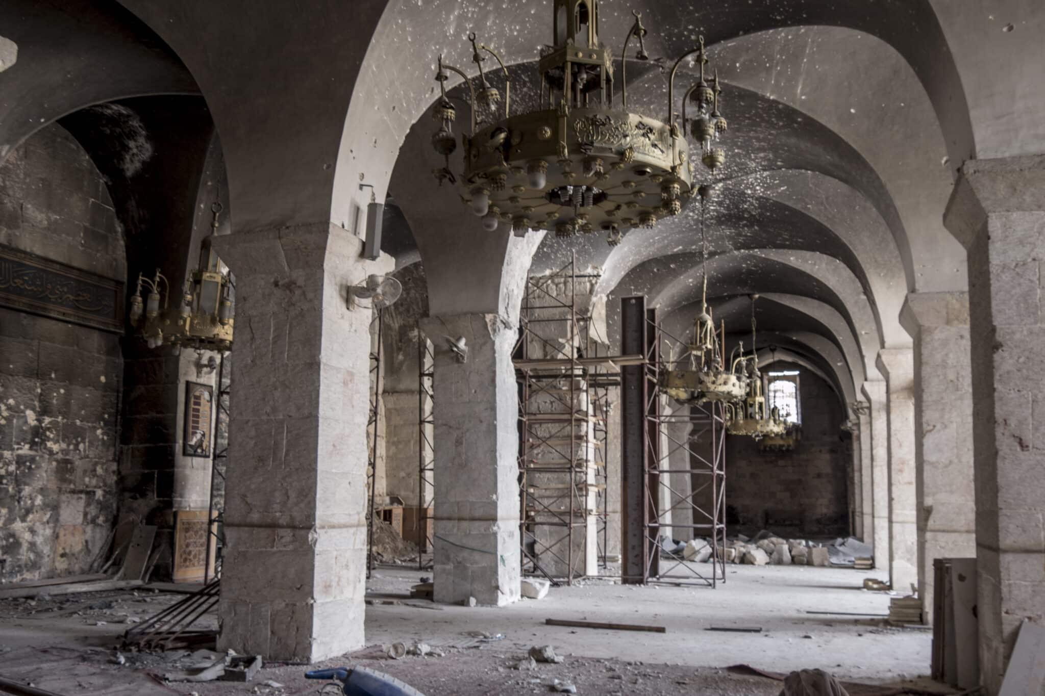 Interior de la Gran Mezquita de los Omeyas de Alepo