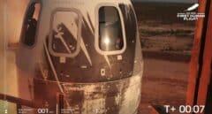 Jeff Bezos aterriza con éxito tras su viaje de diez minutos al espacio