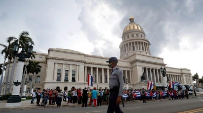 Manifestación ante el Capitolio de La Habana (Cuba).