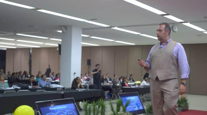 """Luis Ramos, experto en marca personal: """"Para triunfar, hay que dejar de ser egoísta"""""""