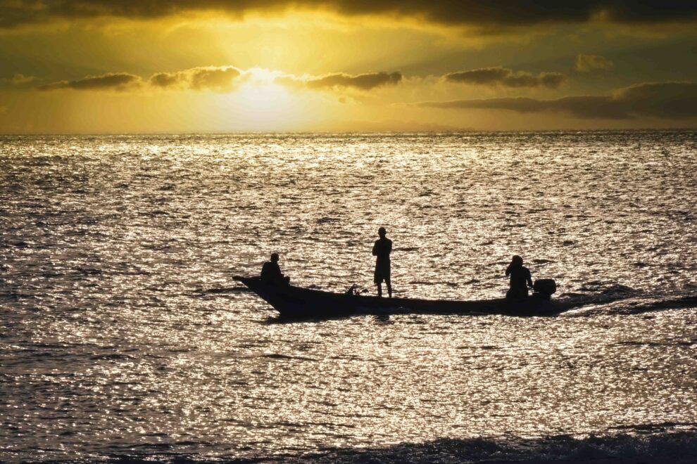 Pescadores en la costa de Socotra