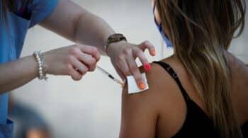 Sanidad notifica 31.171 nuevos contagios y la incidencia aumenta a 677