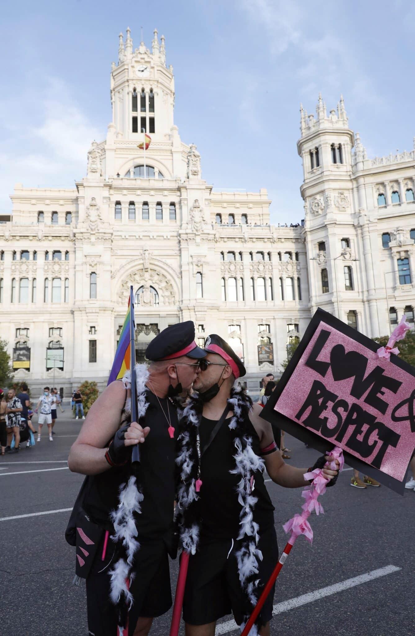 Participantes en la marcha del Orgullo LGTBI