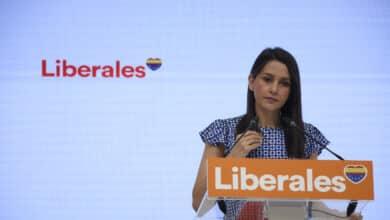 Arrimadas sale en defensa de Abascal tras ser vetado en Ceuta