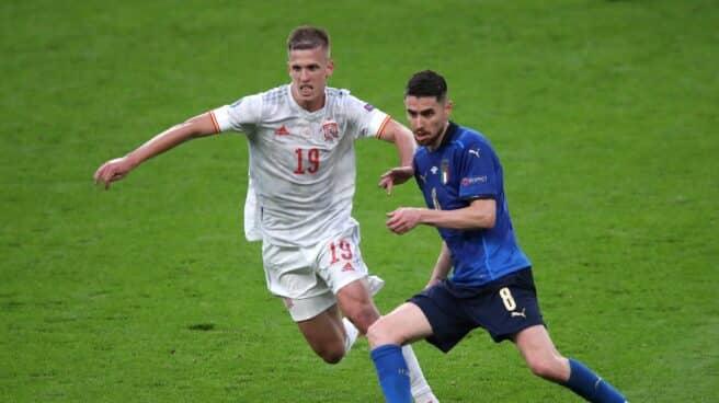 Dani Olmo disputando el partido frente a Italia en la pasada UEFA EURO 2020