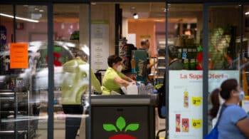 Alerta entre los supermercados de zonas turísticas por la lenta llegada de viajeros extranjeros