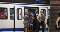 Alarma por el descarrilamiento de dos vagones de la línea 5 del Metro de Madrid en Puerta de Toledo