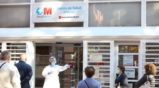 """La Atención Primaria en Madrid, sobrepasada por la quinta ola: """"No podemos dar atención digna"""""""