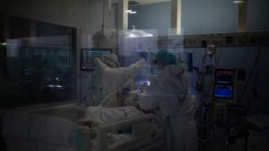 Fallece una mujer por Covid tras dar a luz en un hospital sevillano