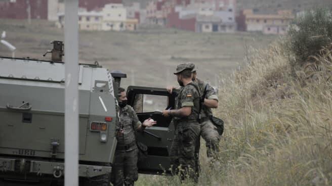 Un camión del Ejército español en las inmediaciones de la frontera de Melilla