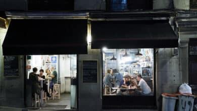 El Gobierno y las comunidades estudian pedir un 'certificado Covid' para entrar en bares