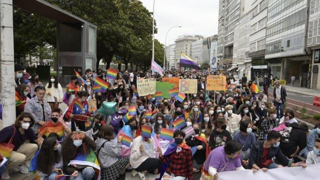 Manifestación convocada por el Día Internacional del Orgullo LGTBI en A Coruña.