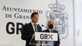 Luis Salvador (Cs) renuncia a la alcaldía de Granada tras casi un mes de bloqueo y deja paso al PSOE