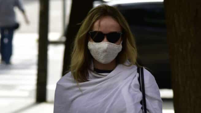 La expareja de Josep Maria Mainat, Angela Dobrowolski, llega al juzgado en Barcelona.