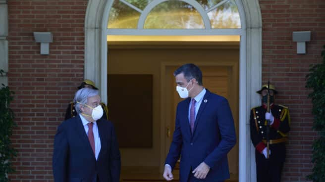 Pedro Sánchez junto a Antonio Guterres