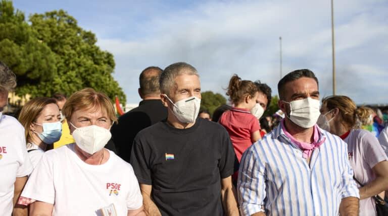 El ministro del Interior, Fernando Grande-Marlaska, durante la manifestación del Orgullo LGTBI