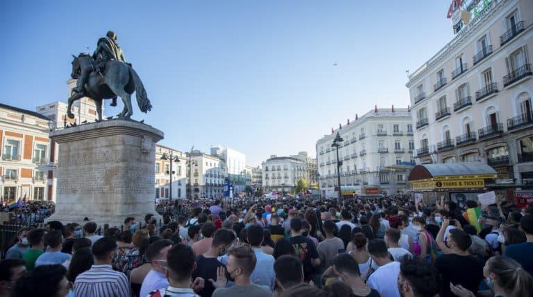 Cientos de personas durante una manifestación para condenar el asesinato de un joven de 24 años el pasado sábado en A Coruña debido a una paliza, a 5 de julio de 2021, en Madrid, (España). Bajo el lema, #JusticiaParaSamuel, los asistentes quieren mostrar su repulsa al asesinato del joven Samuel por una paliza propinada por un grupo de personas la noche del sábado 3 de julio.