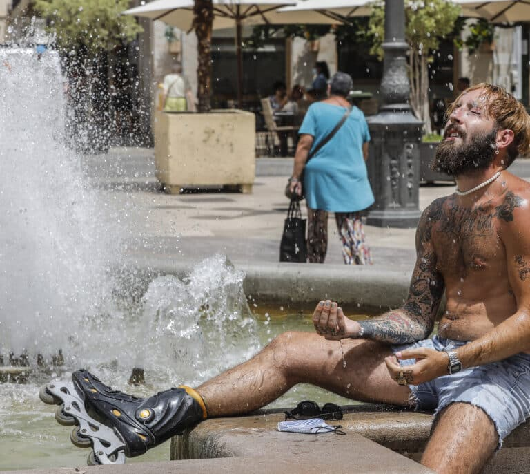 Las temperaturas máximas vuelven a subir y seis provincias alcanzan el nivel de riesgo por calor