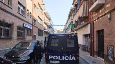 Detenidos dos jóvenes por violar a una mujer tras maniatarla y taparle la cabeza con una almohada en un piso de València