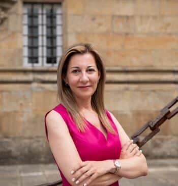 """El fenómeno Eva García Sáenz de Urturi: """"Tengo clubs de lectores muy fanáticos"""""""