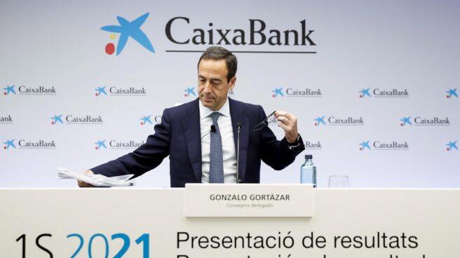 El consejero delegado de CaixaBank, Gonzalo Gortázar, presenta los resultados del primer semestre tras su fusión con Bankia